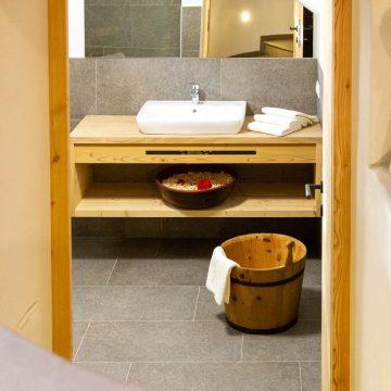 Blick aufs Bad in der Ferienwohnung Schlernstein