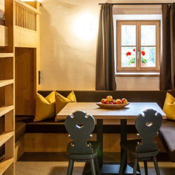 Sitzecke in der Ferienwohnung Schlernstein am Fuße der Seiser Alm